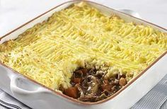 Marry Berry's shepherd's pie is a delicious winter recipe for all the family to enjoyThe Great British Bake Off BBC TV series has catapulted its star cook and judge Mary Berry into the culinary spotlight. Great British Bake Off, Meat Recipes, Cooking Recipes, Recipies, Lamb Recipes, Savoury Recipes, Vegetarian Recipes, Healthy Recipes, Quiche