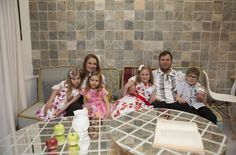 Renovarea casei familiei Șerbana din Nedelea, episodul 1, sezonul 4, Visuri la cheie | Adela Pârvu - Interior design blogger Interior, Design, Indoor, Design Comics, Interiors