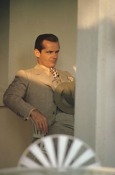 "JACK NICHOLSON AS JAKE GITTES IN ""CHINATOWN"" ONE OF MY TOP 10  FAVORITE MOVIE  CHARACTERS OF ALL TIME AND  ONE OF MY TEN FAVORITE MOVIES AS WELL"