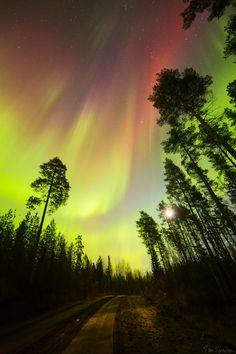 Oulu, Finland by Tiina Törmänen Beautiful Sky, Beautiful Landscapes, Beautiful World, Beautiful Places, Aurora Sky, Northen Lights, Tornados, To Infinity And Beyond, Belle Photo
