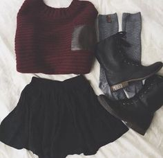 Grunge outfit idea Red sweater combat boots knee socks and a simple black skirt - Fashion Mode, Grunge Fashion, Look Fashion, Autumn Fashion, Fashion Outfits, Womens Fashion, Fashion Casual, Trendy Fashion, Grunge Outfits