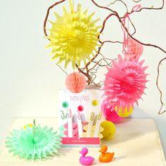 #Mini #Paper #Stars #Party #Kidsroom from www.kidsdinge.com www.facebook.com/pages/kidsdingecom-Origineel-speelgoed-hebbedingen-voor-hippe-kids/160122710686387?sk=wall http://instagram.com/kidsdinge