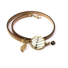 Natural leather brown bracelet, cabochon bracelet, boho brown leather bracelet by Bouclelacreations on Etsy https://www.etsy.com/listing/211701249/natural-leather-brown-bracelet-cabochon