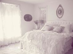 Shabby Chic Bedroom; ooh la la!!