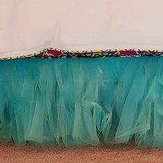 Tulle bedskirt - of course, I could also just do this in my room or the guest room! :)