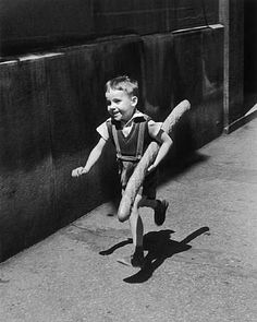 © Le Petit Parisien by Willy Ronis