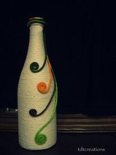 Items similar to Upcycled handmade decorative bottle vase on Etsy Wine Bottle Design, Wine Bottle Art, Diy Bottle, Bottle Vase, Glass Bottle Crafts, Glass Bottles, Vase Design, Jute Crafts, Bottle Painting