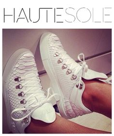 LUXURY SNEAKER DETAILS  ✨✨✨✨✨✨✨✨✨✨✨✨✨✨✨ #HAUTESOLEMAGAZINE #HAUTESOLE #Fashion #Footwear #Shoes #style #stylish #sneakers #design #Stylist #instagood #designer #Fashiondesigner #FashionStylist #WardrobeStylist #CelebrityWardrobeStylist #Fashionista #StreetStyle #FashionWeek #PFW #NYFW #luxury #fashionista #fashionblogger #magazine #DREAMFEARLESSLY #SS15 #FA15
