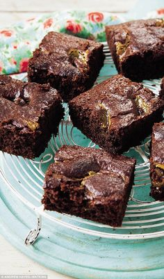I am a big brownie fan, and these are amazing - yes, without refined sugar!