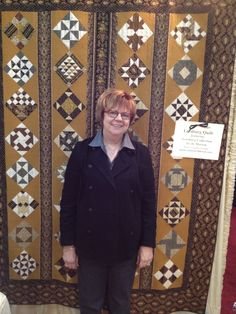 Jo Morton accompanies this beautiful Leesburg quilt, made with her Leesburg collection. Click on the picture to download the free quilt pattern.