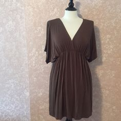✂️Brown Tunic Dress Large L Stretch Brown Tunic Dress Large L V- Neck Shirt Sleeve Elastic Waist by New York & Co. Rayon Spandex Blend EUC Trades New York & Company Dresses