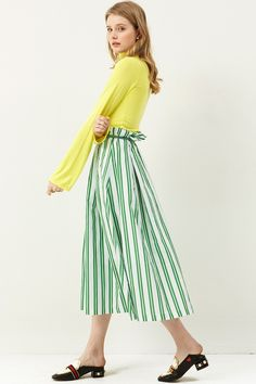 Delan Stripe Full Skirt Discover the latest fashion trends online at storets.com #stripeskirt #greenfullskirt #stripefullskirt