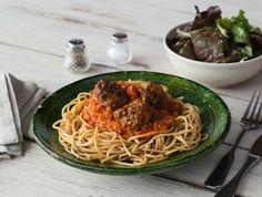 Spaghetti integrale met gehaktballetjes en zelfgemaakte tomatensaus