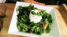 Learn how to make a quick, easy and healthy meal that's also very delicious. WatchMojo.com shows you how to make a poached egg detox salad. Here: watchmojo.com/index.php?id=8688