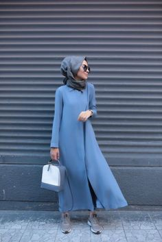 the shoes are weong but the rest is just right Islamic Fashion, Muslim Fashion, Modest Fashion, Tan Dresses, Modest Dresses, Nice Dresses, Hijab Style, Hijab Chic, Moslem