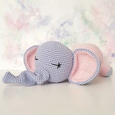 Ezt a tündéri elefántot amikor megláttam, tudtam, hogy meghorgolom. Crochet Elephant, Elephant Pattern, Free Crochet, Crochet Hats, Summer Crafts, Crafts To Sell, Animals And Pets, Crochet Patterns, Creative