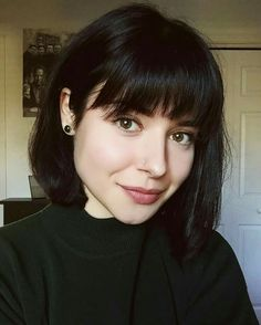 Cute Short Bob Haircuts with Bangs - Hair Styles Bob Hairstyles With Bangs, Bob Haircut With Bangs, Short Bob Haircuts, Cool Hairstyles, Short Bangs, Haircut Short, Straight Bangs, Black Bob Haircut, Hairstyles 2018