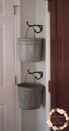 Baldes Perfect for laundry room missing socks Galvanized Bucket Storage Room Makeover, Laundry Mud Room, Farmhouse Decor, Room Organization, Galvanized Buckets, Home Improvement, Laundry Room Decor, Home Decor, Room Remodeling