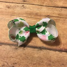 St. Patrick's day hair bow mini boutique hair clip headband baby girl toddler #bowtifulblessings