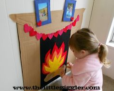 Felt fireplace - fantastic for the end scene of the three little pigs! Kids Christmas, Christmas Crafts, Christmas Decorations, Diy For Kids, Crafts For Kids, Felt Patterns, Dramatic Play, Little Pigs, Felt Fabric