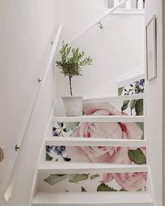 Stairs Decals pink roses - peel&stick removable decals for stair risers! Fine idea to give a new look to old stairs! You can apply it by yourself Staircase Decals, Painted Staircases, Staircase Design, Grand Staircase, Stair Stickers, Stair Decor, Rosa Rose, Stair Risers, Interior Decorating