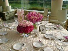 rosa Blumen und creme Tischdecke - Perlenketten