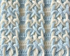 Double Knot StitchThis crochet pattern / tutorial is available for free... Full post: Double Knot Stitch