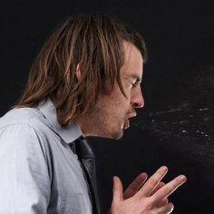 Here's why it's impossible to keep your eyes open while sneezing