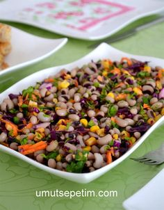 Cowpea salad Source by zekiyekonar Turkish Salad, Turkish Recipes, Ethnic Recipes, Chicken Pot Pie Filling, Hamburger Soup, Making Homemade Pizza, Ground Beef Recipes Easy, Snacks Für Party, Comfort Food