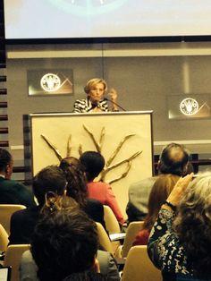 """Emma Bonino, ministro degli Esteri italianoal convegno per la firma dell'accordo con tra #expo2015 e la #Fao: """"le diversità sono fondamentali per costruire un futuro migliore. Io per esempio non sono sempre d'accordo con #VandanaShiva, ma non per questo le voglio meno bene""""."""
