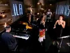 "Eugenia León & Lila Downs ""LA BRUJA"" - YouTube"