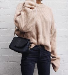 Love this baggy jumper and skinny jeans look | Fashion Outfits 2017
