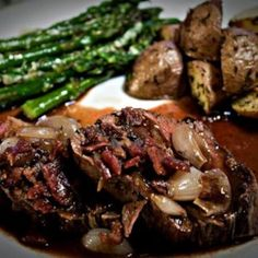 Beef Tenderloin With Roasted Shallots