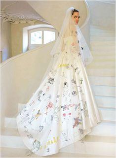 Angelina Jolie wed Brad Pitt wearing this gown their children had drawn on
