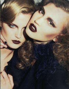Intense dark make up