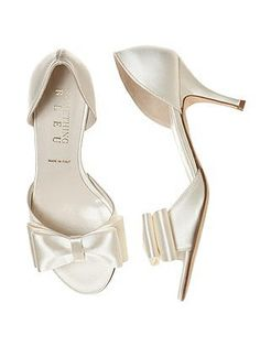 1950s 1960s Bow Heels Ivory Wedding Shoes - Cinnamon BowTie dOrsay Bridal Shoe $95.00 AT vintagedancer.com