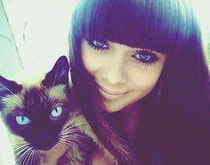 cat eyes :*