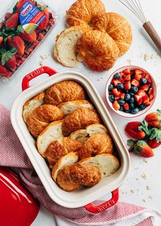 Croissant Baked French Toast with berries is an elegant breakfast or brunch dish that's perfect for a holiday. Prep the night before for easy entertaining! Croissant Breakfast Casserole, Baked French Toast Casserole, French Toast Bake, Breakfast Recipes, Croissant French Toast, Brunch Dishes, Blueberries, Strawberries, Croissants