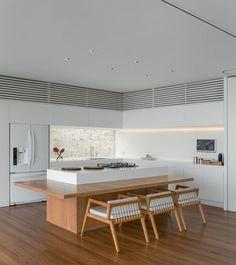 AL Rio de Janeiro / Studio Arthur Casas @studioarthurcas #kitchen #dining
