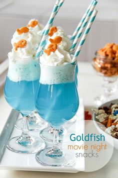 Movie Night Snacks with Goldfish How cute are these? for an Under the Sea theme movie night or party. Goldfish Crackers Ice Cream Float Movie Night Snacks with Goldfish How cute are these? Birthday Party Snacks, Snacks Für Party, Cool Birthday Cakes, Party Drinks, Luau Birthday, Sleepover Party, 12th Birthday, Birthday Ideas, Movie Night Snacks