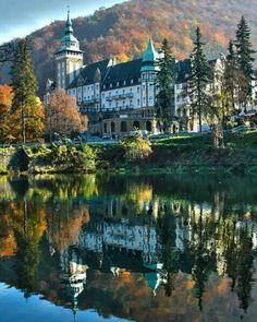 Lillafüred-Palotaszáló Beautiful Castles, Beautiful Places, Cool Places To Visit, Places To Travel, Budapest Hungary, European Travel, Holiday Destinations, Holiday Travel, Countryside