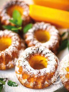 Che delicatezza queste Ciambelline di ricotta e carote! Ottime da degustare con un nutriente e salutare succo di frutta o centrifugato preparato in casa!