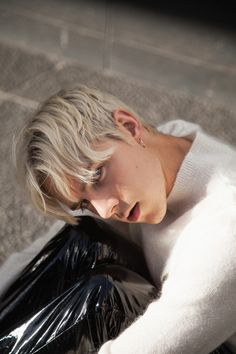 A collection of boys and guys expressing themselves. Teenage Boy Fashion, Teenage Guys, Men Blonde Hair, Blonde Boys, Pvc Trousers, Latex Men, Mens Leather Pants, Lycra Men, Gorgeous Men