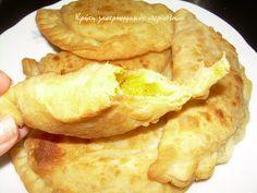Κρήτη:γαστρονομικός περίπλους: Κρητικές κολοκυθόπιτες τηγανιού με γλυκοκολοκύθα