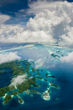 10-paises-mais-bonitos-e-menos-visitados-do-mundo  Vista aérea de área de Palau | Foto: Mark Kenworthy.