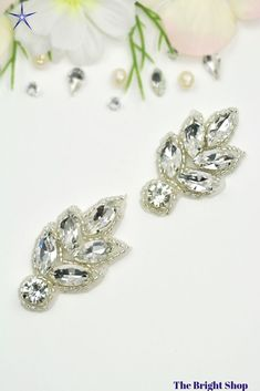 2 pcs Small rhinestone leaf applique embellishment, silver rhinestone shoe applique,rhinestone jewel good for hair pin, garters and shoes, Embellished Shoes, Rhinestone Shoes, Rhinestone Appliques, Silver Rhinestone, Diy Crystals, Crystal Beads, Diy Wedding Supplies, Shoe Clips, Bride Shoes