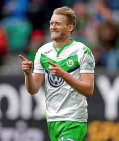 4021f4a06 Andre Schürrle wechselte im Frühjahr 2015 nach Wolfsburg, machte für den  VfL 63 Pflichtspiele