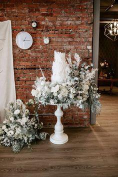 New Years Eve En Blanc Wedding Inspiration  Calgary Features  #wedding #weddingideas #weddingphotographer #weddingphotography #intimatewedding #weddinginspiration #weddingdetails #weddingcake #whiteweddingcake