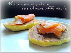 Vivi in cucina: Mini cakes di patate con salmone affumicato e panna acida (Nigella Lawson)