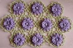 The Lace Crochet Join for Flower Looms by Sarah Bradberry